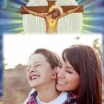 Fotomontaje cristiano de Jesucristo en la Cruz