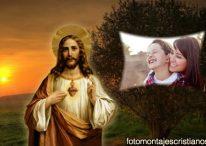 Fotomontaje con la imagen del Sagrado Corazón de Jesús al atardecer