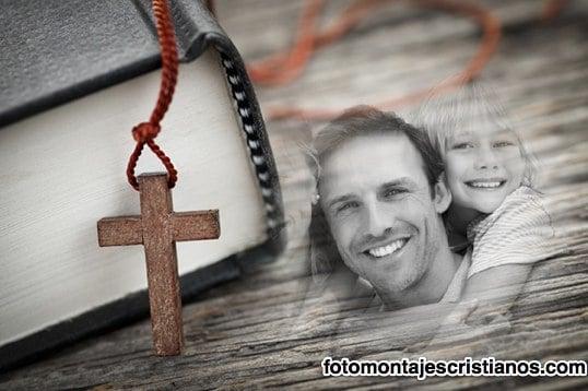fotomontaje de la biblia y la cruz