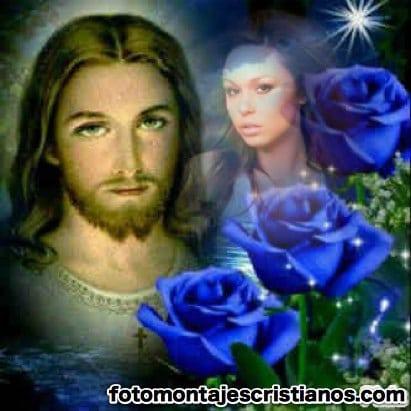 Fotomontaje de Jesucristo rodeado de flores azules