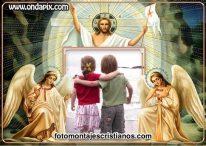 Fotomontaje de Jesús con dos ángeles